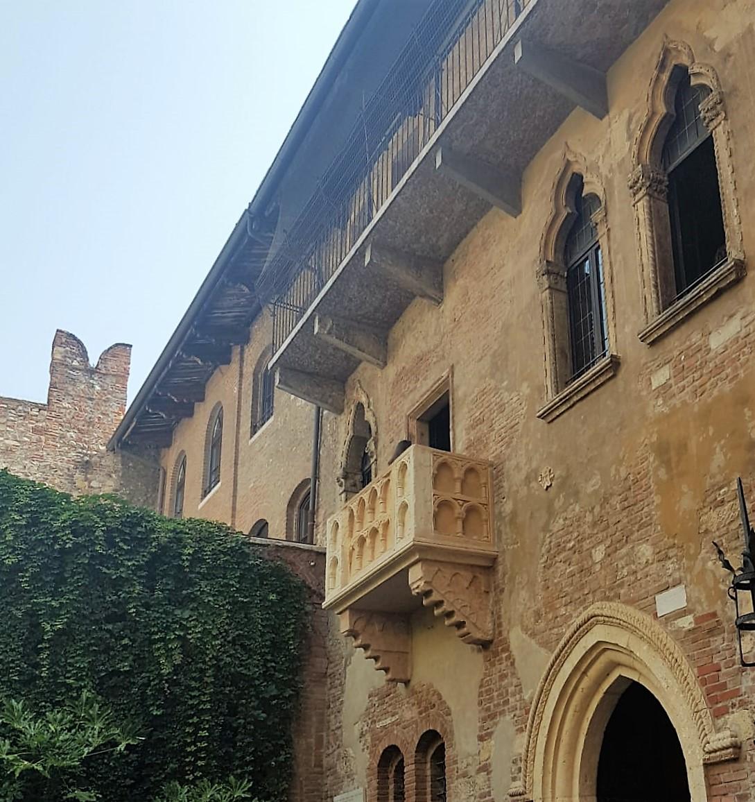 Romeo&Juliet_balcony_Verona